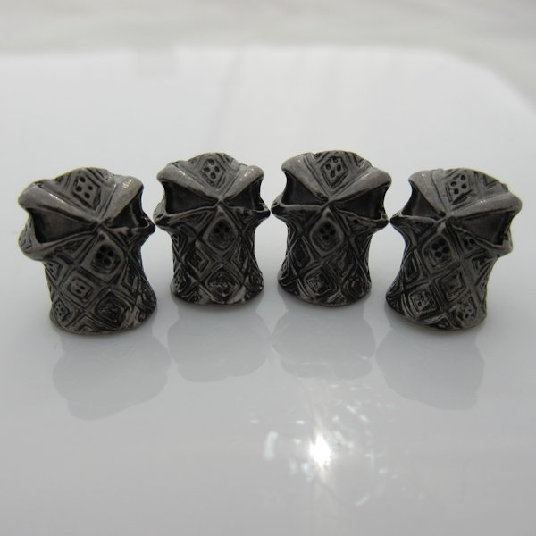 Hooded Ninja Bead in Gloss Black Plated Finish (Set of 4)