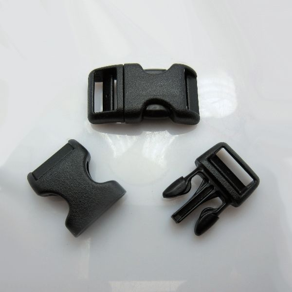 "(25 Pack) 5/8"" Wienerlock Brand Curved Black Side Release Buckles"